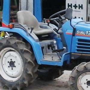Usługi mini ciągnikiem Oferujemy usługi mini ciągnikiem rolniczym zpełnym osprzętem (pług, brony, kosiarka, glebogryzarka). zobacz więcej