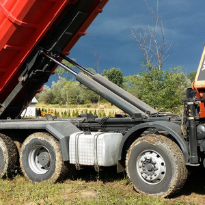 Usługi transportowe Oferujemy usługi transportowe samochodami samowyładowczymi, kontenerami orazHDS  zobacz więcej